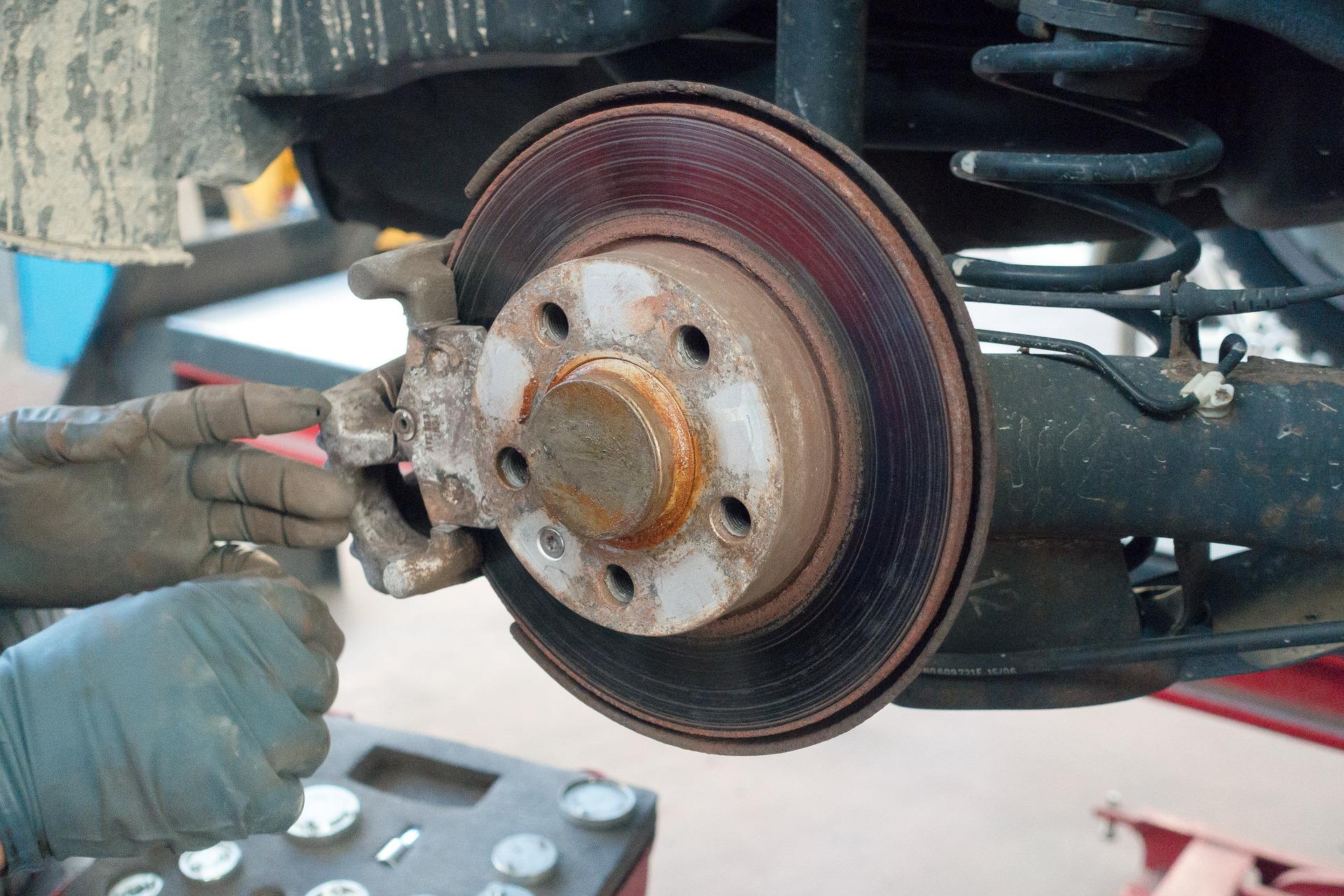 Få et billigt lån til nye bremser på bilen