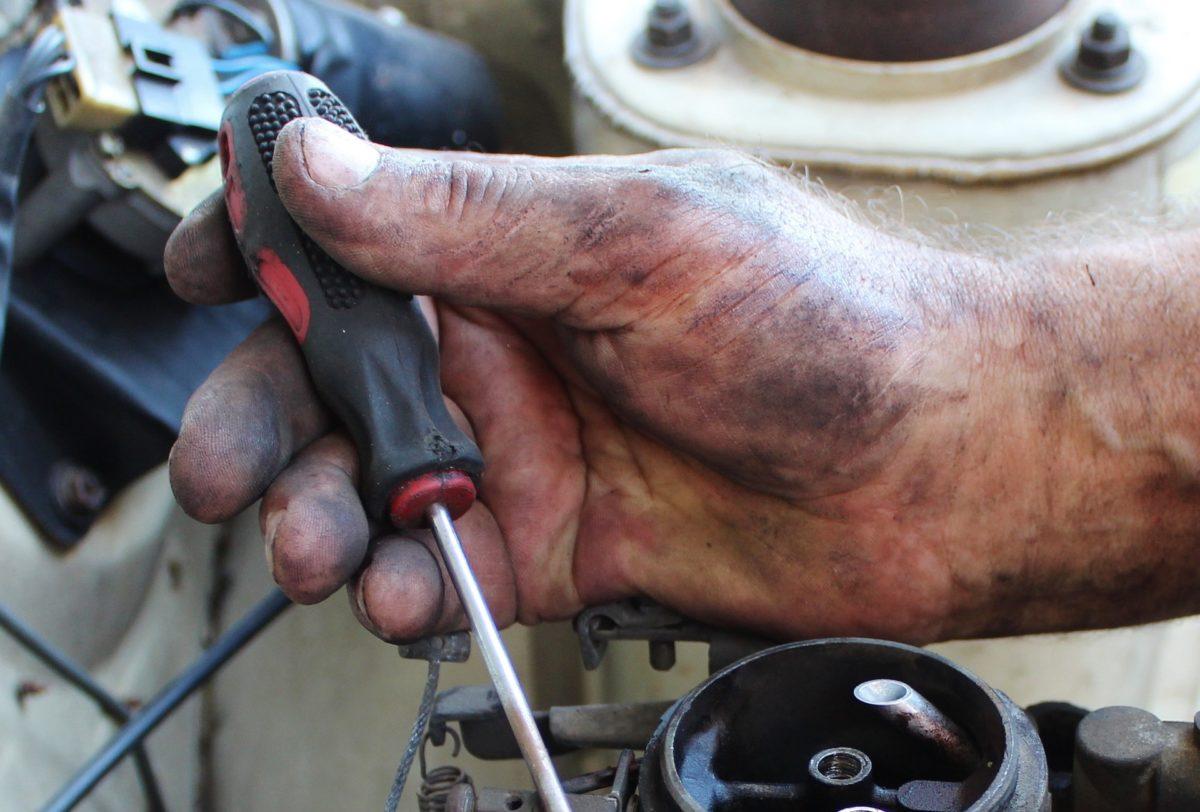 Få styr på bilen med et lån til mekaniker